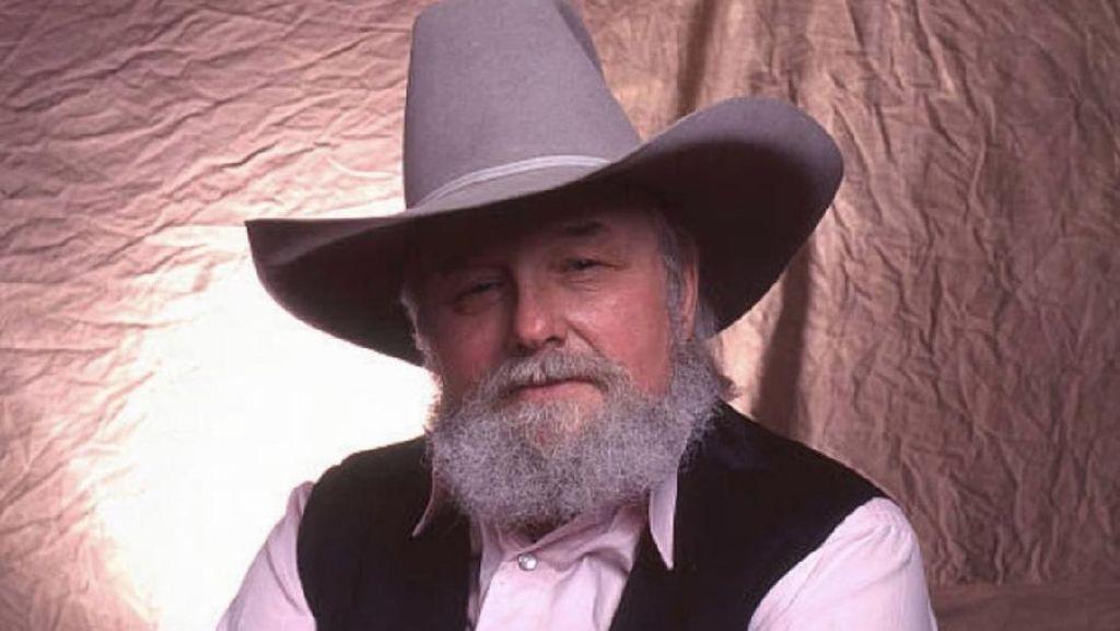 Legenda Musik Country Charlie Daniels Meninggal Dunia