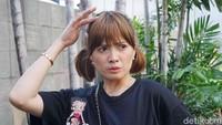 Chika Jessica saat ditemui di kawasan studio Trans TV, Kapten Tendean, Jakarta Selatan pada Selasa (7/7).Pool/Noel/detikFoto.