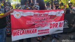 Penolakan RUU HIP Disuarakan GMBI di Depan DPRD Sidoarjo