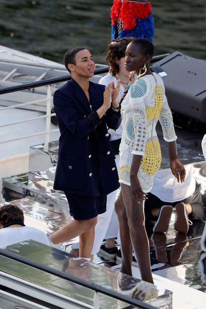 Fashion Show Perdana Balmain di Era Social Distancing