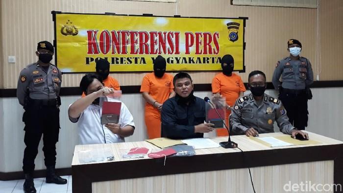 Jumpa pers kasus perdagangan anak di Polresta Yogyakarta, Selasa (7/7/2020).