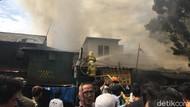 Toko Terbakar di Manggarai Jaksel, Pedagang Klaim Rugi Ratusan Juta