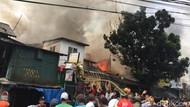 Kebakaran Toko di Manggarai Jaksel, Asap Membubung Tinggi