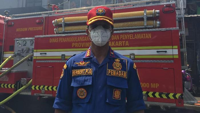 Kepala Suku Dinas Penanggulangan Kebakaran dan Penyelamatan Jakarta Selatan Herbert Plider