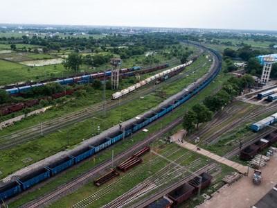 Di India Ada Rangkaian Kereta Barang Sepanjang 2,8 Km!