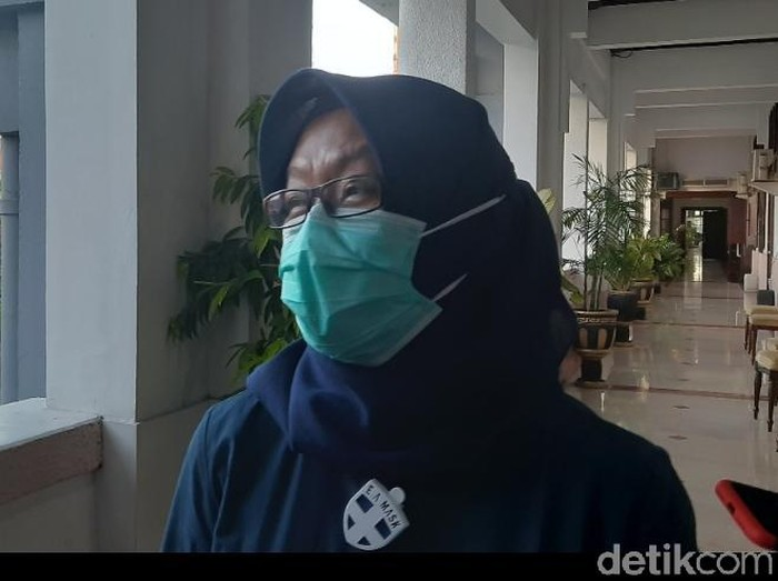 Koordinator Bidang Pencegahan Gugus Tugas Percepatan Penanganan COVID-19 Surabaya, Febria Rachmanita