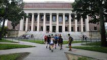 AS Akan Cabut Izin Tinggal Mahasiswa Asing di Program Kuliah Online