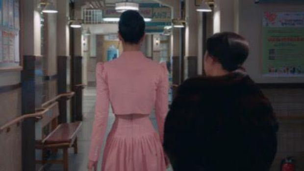 perut kecil Seo Ye Ji