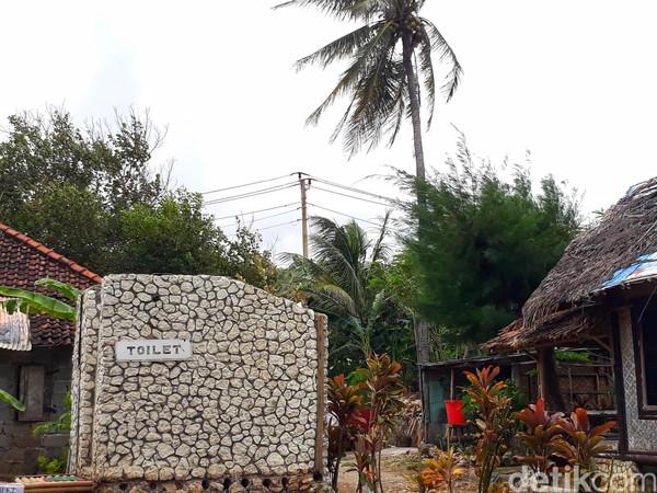 Pondok Bambu Rangdo terletak di Jalan Pantai Parangtritis, Pantai, Parangtritis, Kecamatan Kretek, Bantul, Daerah Istimewa Yogyakarta buka setiap hari dari jam 07.00-18.00 WIB. (Kristina/detikcom)