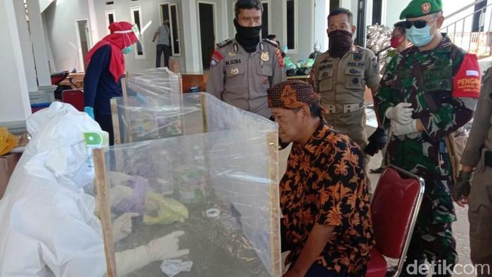 Rapid test penonton Rhoma Irama di Bogor (Sachril Agustin Berutu/detikcom)