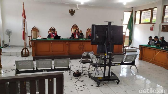 Sidang vonis eks Bupati Indramayu Supendi