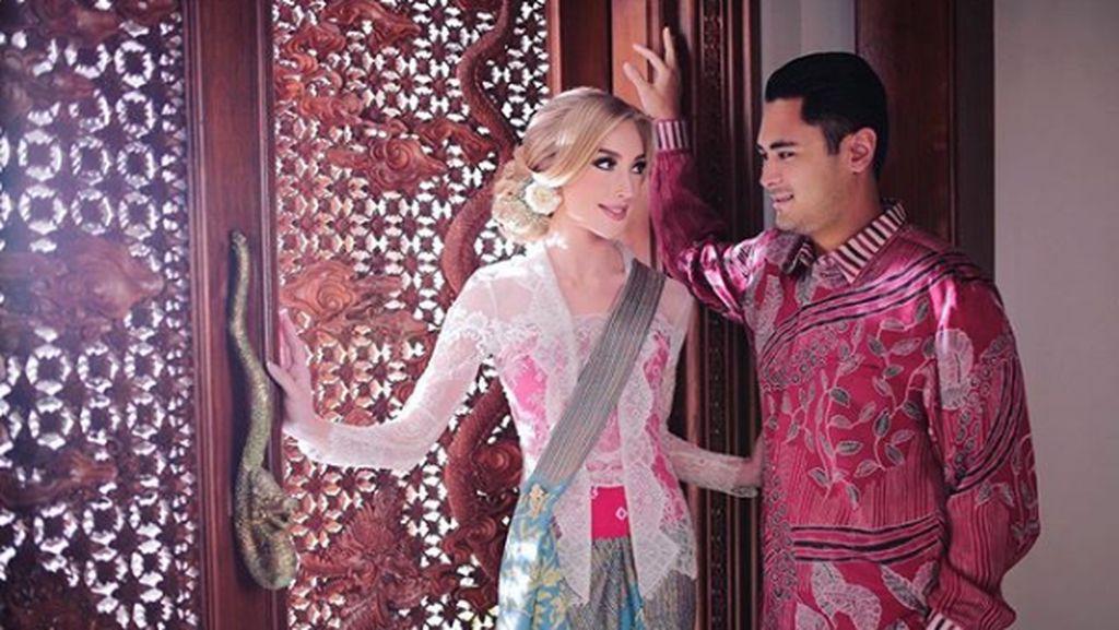 Cantiknya...8 Gaya Varsha Strauss, Istri Cucu Soeharto Saat Berkebaya