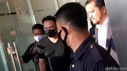 Vicky Prasetyo Ditahan, Ini Kronologi Kasus Gerebek Angel Lelga