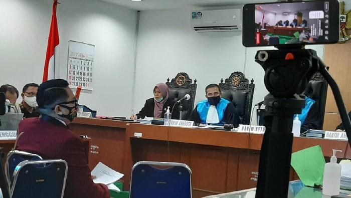Ahli hukum tata negara Muhammad Rullyandi saat sidang gugatan mantan Komisioner KPU Evi Novida Ginting