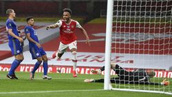 Video Arsenal Diimbangi Leicester 1-1