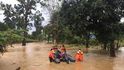 Banjir Rendam Desa di Konawe Utara, Warga Dievakuasi dari Rumahnya