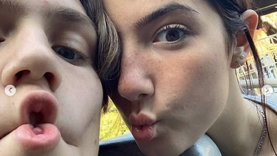 Drama Percintaan Charli DAmelio dan Chase Hudson, Bintang Remaja TikTok