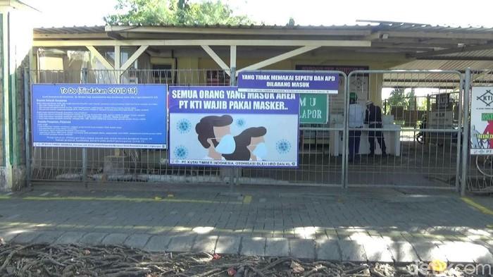 Delapan karyawan PT Kutai Timber Indonesia (KTI) positif COVID-19. Bahkan seorang karyawan lainnya meninggal kena Corona.