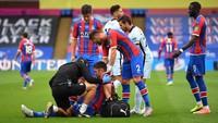Ambil Keuntungan dari Cedera Gary Cahill, Chelsea Kurang Sportif?
