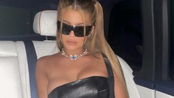 Kylie Jenner Diamuk Fans Usai Posting Foto Hampir Telanjang