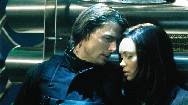 Adegan Tom Cruise dan Thandie Newton di Mission: Impossible 2.