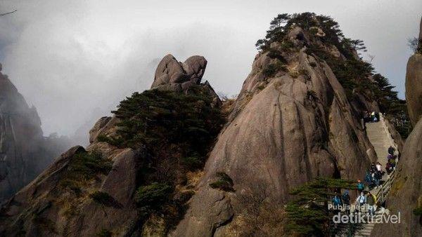 Pegunungan Huangshan