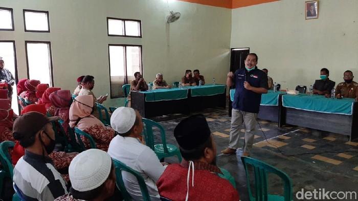 Penderes nira kelapa di Pangandaran dapat asuransi dari Pemkab Pangandaran