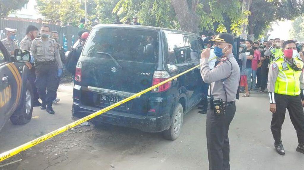 Warga Temukan Mayat Pria Telentang dalam Mobil di Tanjung Morawa Sumut
