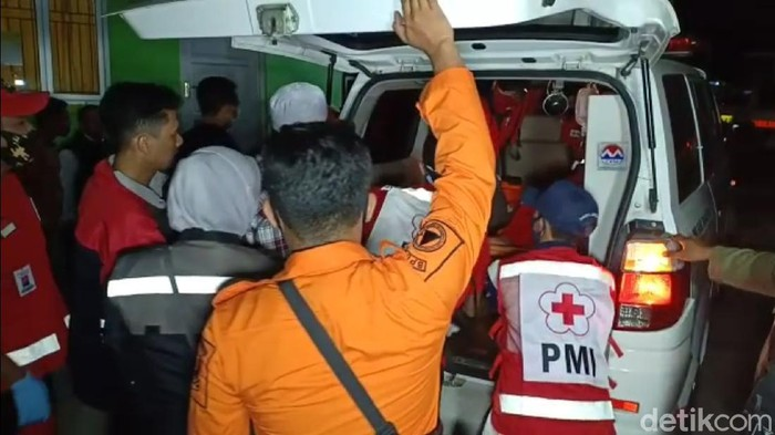 Puluhan warga Sukabumi dilarikan ke puskesmas gegara keracunan makanan