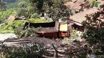 Video Truk Tabrak Pembatas Jalan Cadas Pangeran, Terperosok ke Tebing