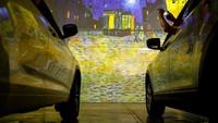 Traveler pecinta seni tentu tak asing dengan nama maestro lukis Van Gogh. Kini karyanya bahkan bisa dinikmati secara Drive-in atau dari mobil (AFP)