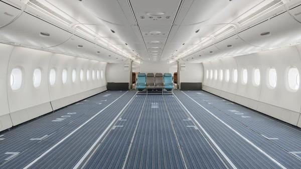 Hi Fly mengambil alih Airbus A380-800 dari Singapore Airlines, mempertahankan interior aslinya dengan pengurangan 471 kursi. (Hi Fly)
