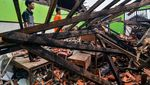 Duh, Atap Sekolah di Bekasi Ini Ambruk