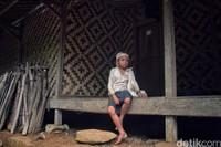 Walaupun pengunjung boleh datang ke Baduy Dalam, namun ada larangan untuk menggunakan alat teknologi selama disana. Mereka sangat melarang untuk difoto langsung ketika berada di Baduy Dalam juga melarang pengunjung mandi menggunakan bahan kimia. Rafida Fauzia/detikcom