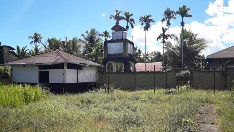 Camp konsentrasi Belanda di Papua.