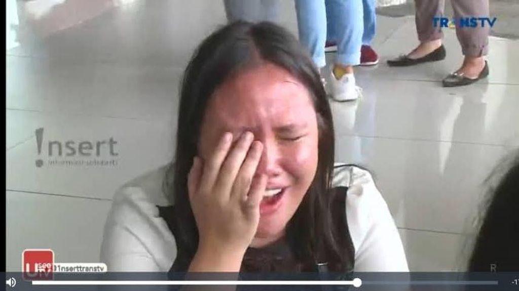 Fans EXO dari Indonesia Ini Viral karena Nangis Saat Cium Aroma Parfum Chanyeol