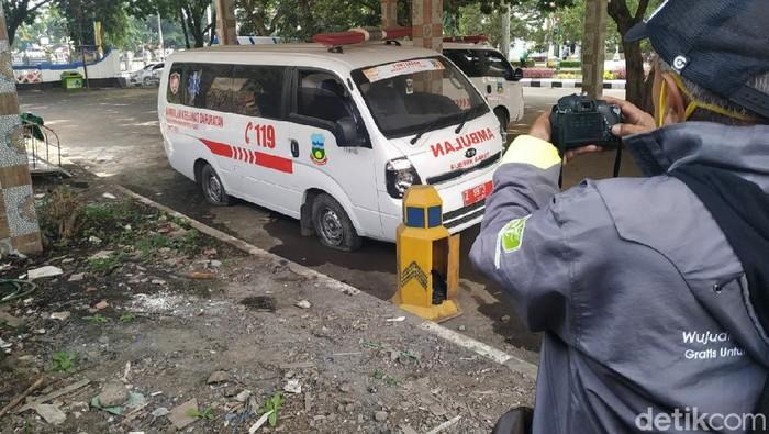 Gaji petugas penjemput pasien Corona di Garut belum dibayar tiga bulan