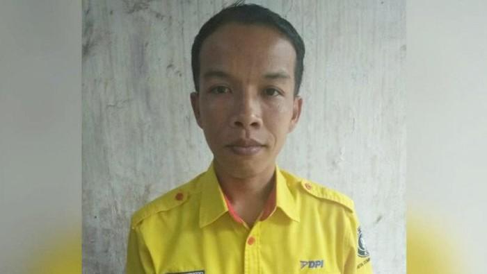 Mujenih, petugas kebersihan yang mengembalikan uang Rp 500 juta yang ditemukan di KRL Bogor