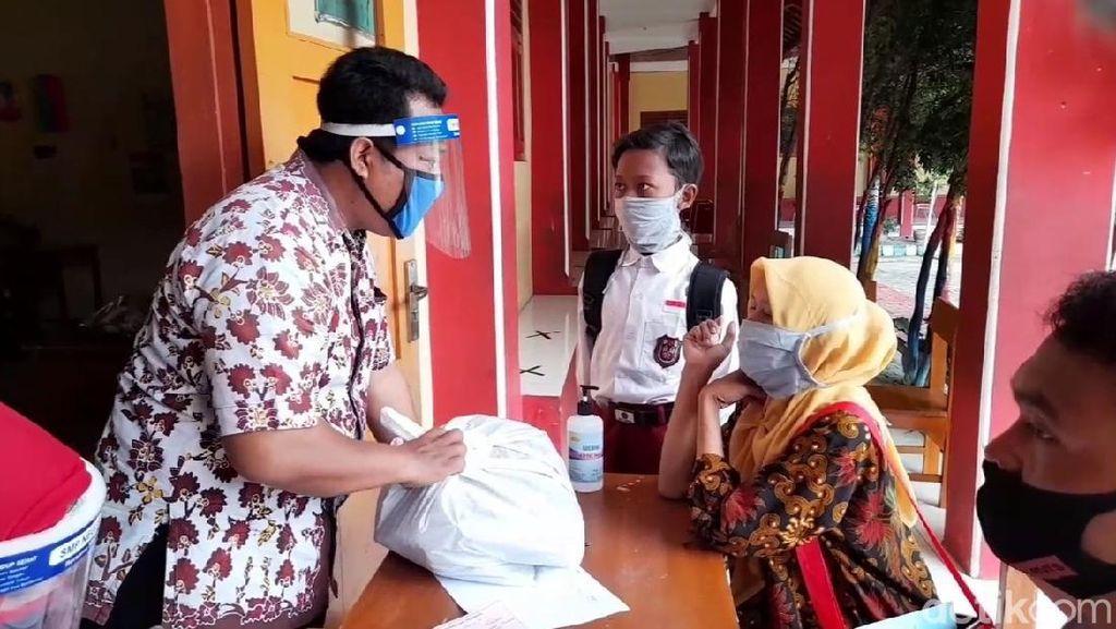 Ada Penambahan Kasus Corona, SMP di 13 Kecamatan Batal Dibuka
