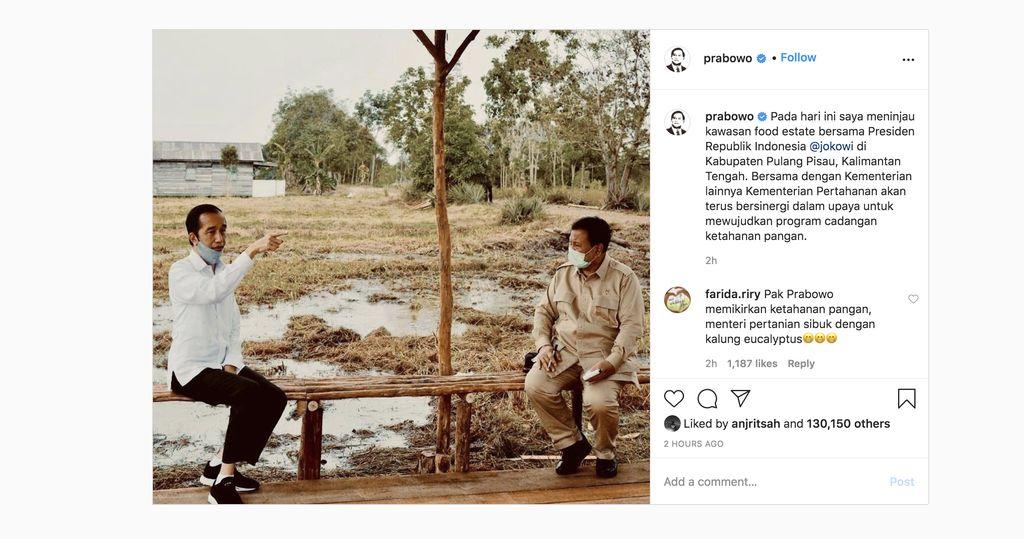 Presiden Joko Widodo dan Menteri Pertahanan Prabowo Subianto meninjau lokasi pengembangan food estate atau lumbung pangan nasional dalam kunjungan kerja ke Provinsi Kalimantan Tengah pada Kamis (9/7/20220). (Tangkapan Layar Instagram @prabowo)