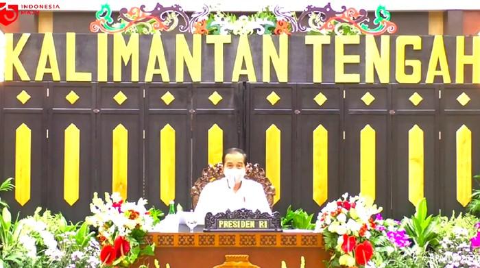 Presiden Jokowi di posko penanganan COVID-19 Provinsi Kalimantan Tengah (Kalteng), Kamis (9/7/2020).