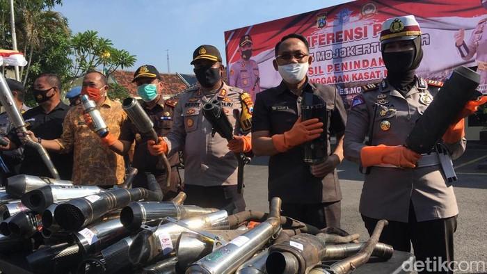Ratusan Motor Sport Disita Gegara Pakai Knalpot Brong untuk Balap Liar