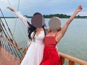 Viral Wanita Kondangan Tampil Seksi Pakai Gaun Transparan, Dihujat Netizen