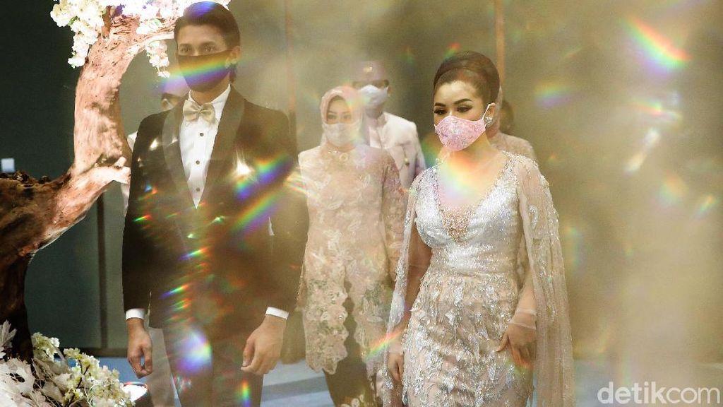 10 Foto Ini Gambarkan Situasi Resepsi Pernikahan di Era New Normal