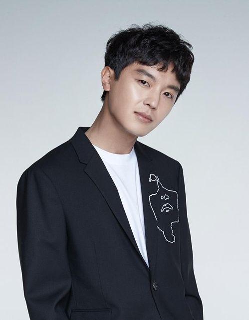 Aktor Yeon Woo Jin