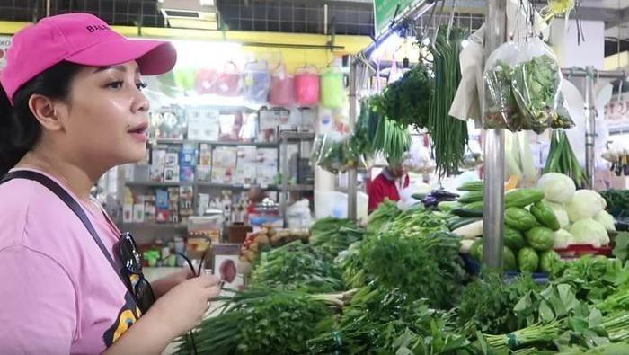Artis Indonesia ke pasar