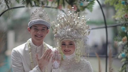 Dinda Hauw dan Rey Mbayang Resmi Nikah, Ini Fotonya
