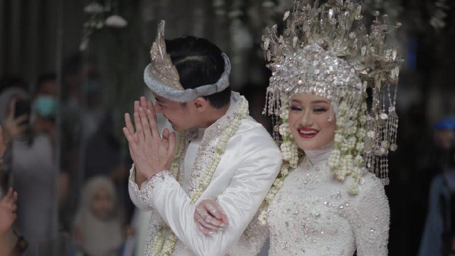 dinda hauw dan rey mbayang resmi menikah
