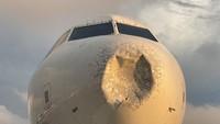 Dihajar Hujan Es, Hidung Pesawat di Amerika Sampai Penyok