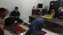Jenazah Editor Metro TV Yodi Prabowo Tiba di Rumah Duka